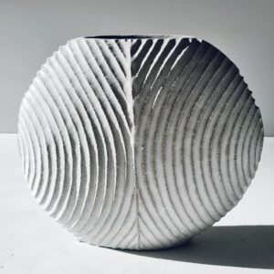 Divide Carved Disc Vessel in Stoneware by Michele Bianco